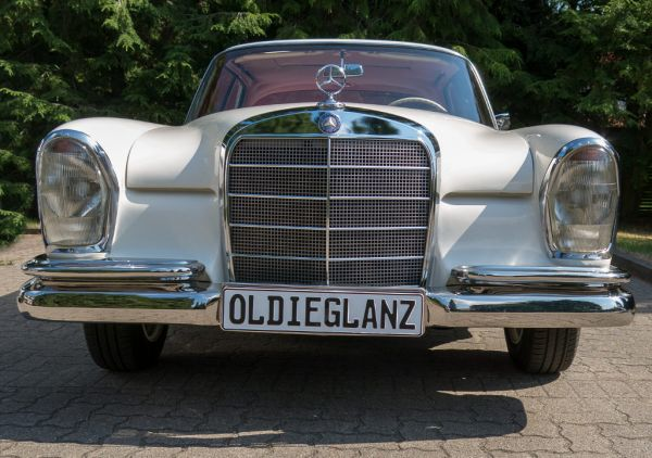 W111 Coupe Mercedes